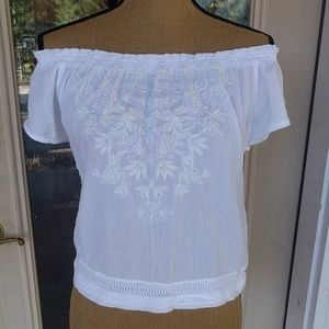 Hollister Off The Shoulder Embroidered Top Sz XS